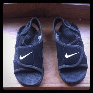 Nike Velcro sandals size is 8c toddler